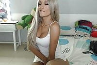 Beautiful shemale Laura Saenz on webcamshow 1