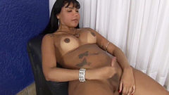 Carmen Enjoys wanking Off Her 10-Pounder
