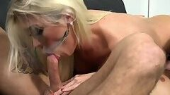 Blonde shemale editor anal fucks opponent