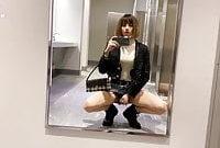 A wunderful cum Gurl in toilet